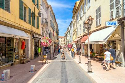 antibes french riveria guide from cap d 39 antibes to juan les pins british gq. Black Bedroom Furniture Sets. Home Design Ideas