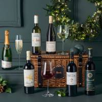 Seasonal wine hamper