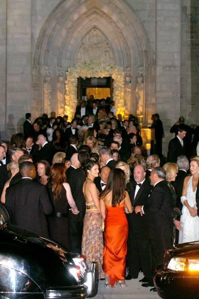 2005: Donald Trump and Melania Knauss marry