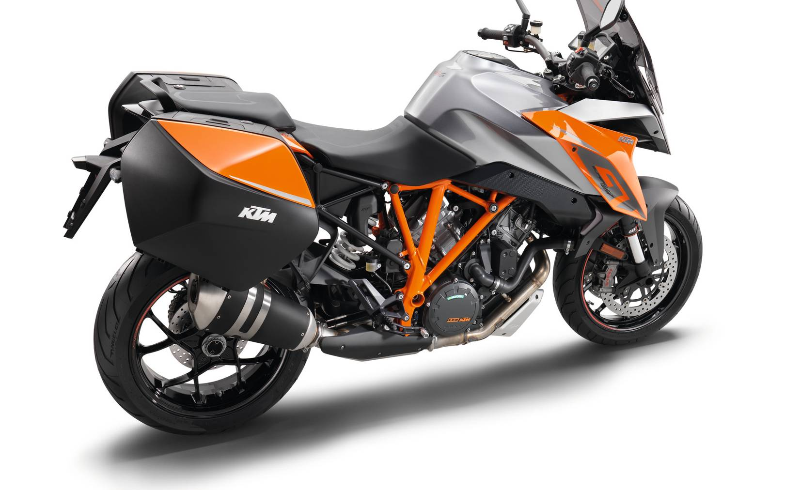 Ktm 1290 Super Duke Gt Review British Gq Consumer Electronics Vehicle Gps Car Video
