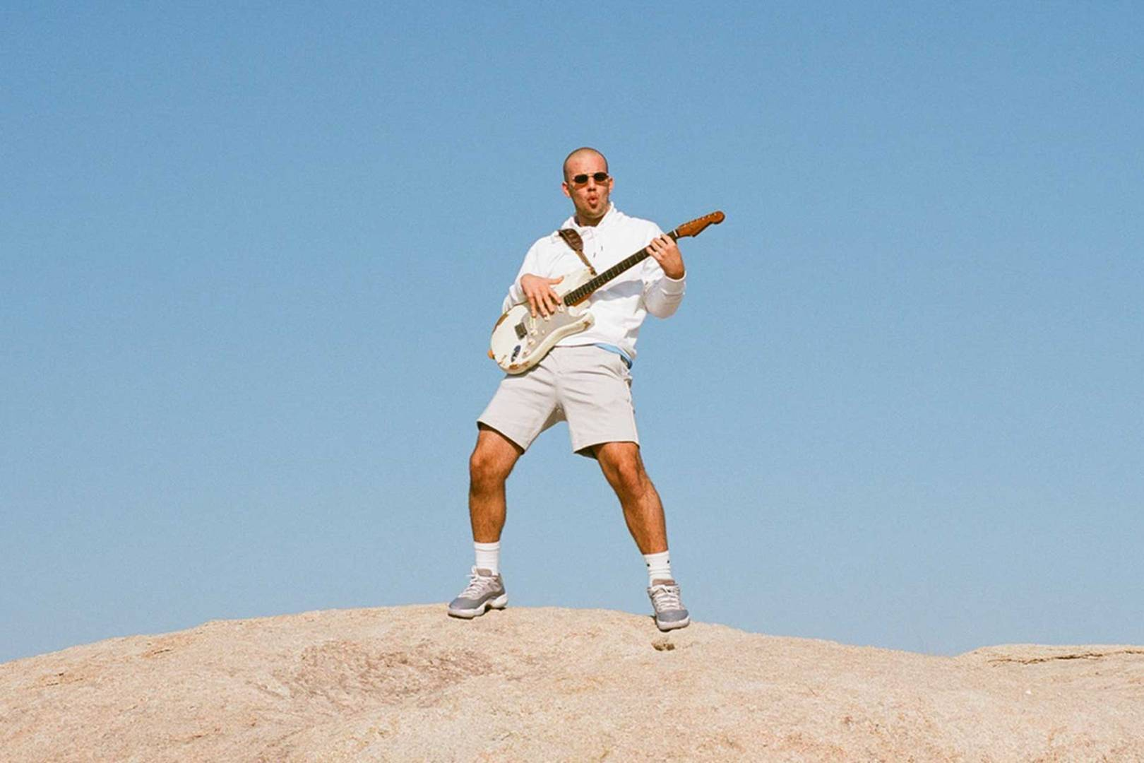 The Casual Tennis Fans Nostalgia For >> Mac Ayres Is The R B Music School Dropout Doing Things His Own Way