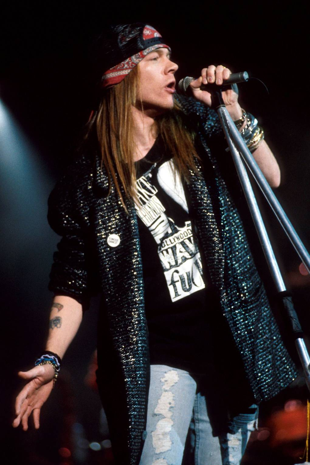 Efemérides - Página 2 10-Axl-Rose-GQ-13Dec16_getty_b