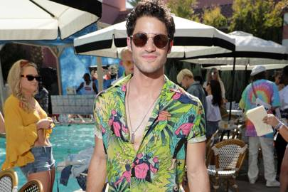 Darren Criss just beat the heat in one easy move