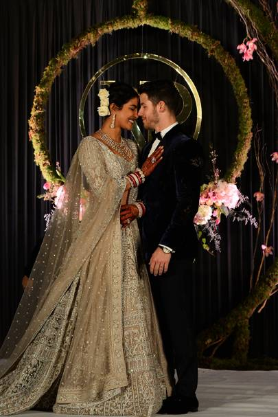 Teaching a lesson in how to win at decadent wedding dressing