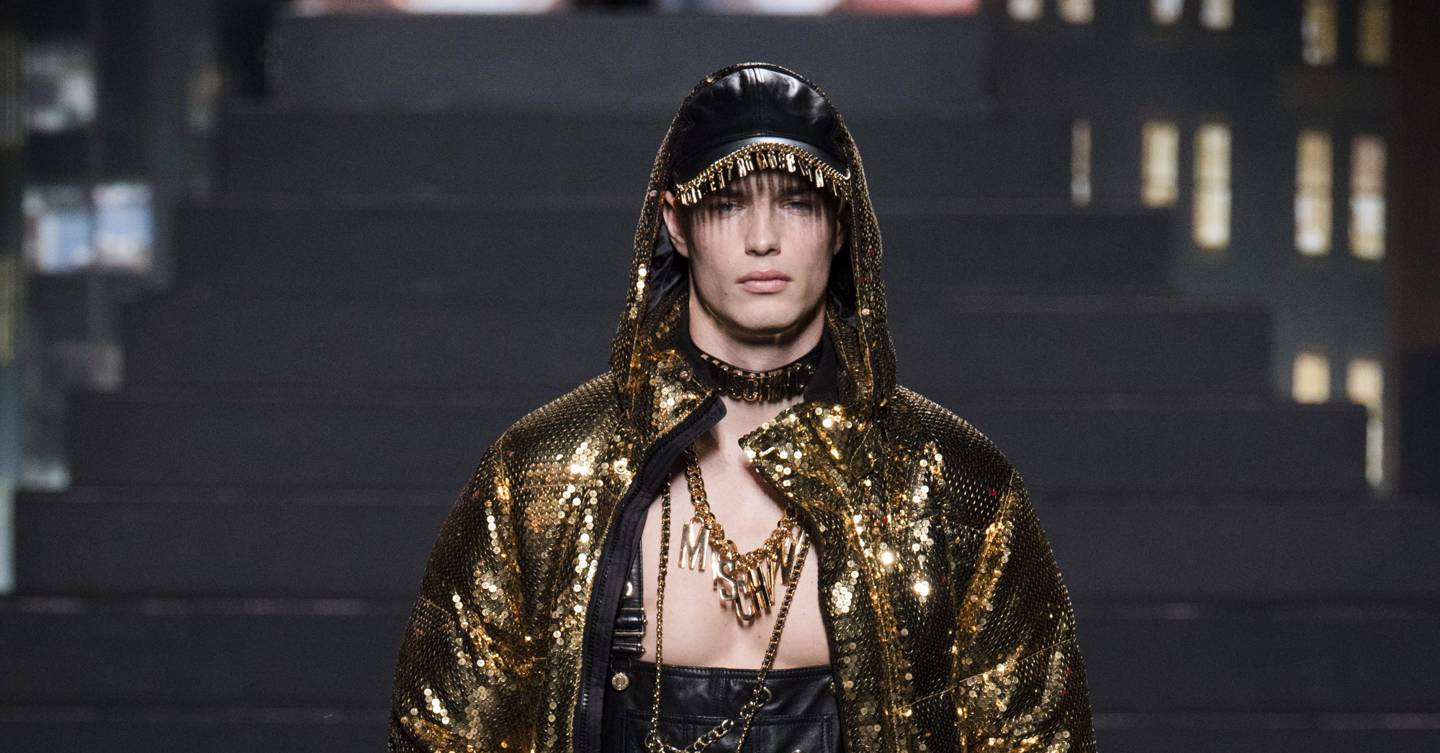 H M x Moschino Spring Summer 2019 Ready-To-Wear show report  79e28c09a