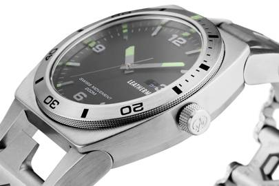 Tread Tempo watch by Leatherman