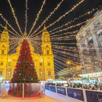 Best for foodies: Christmas Market on Vorosmarty Square and Christmas Fair at Basilica, Budapest