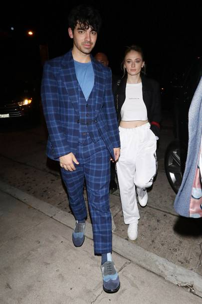 Mixing levels of formality when out in Los Angeles