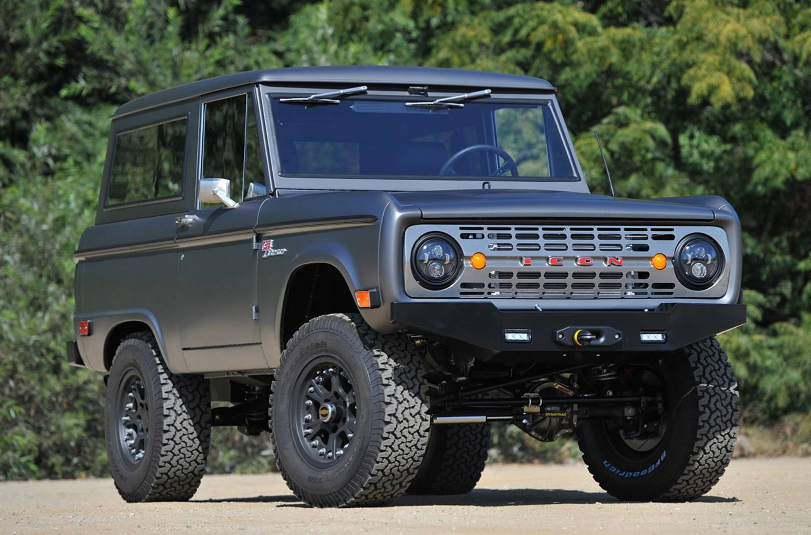 Land Rover Defender Alternatives The New Old Suvs You Can Still Buy 1969 Ford Bronco Ranger British Gq