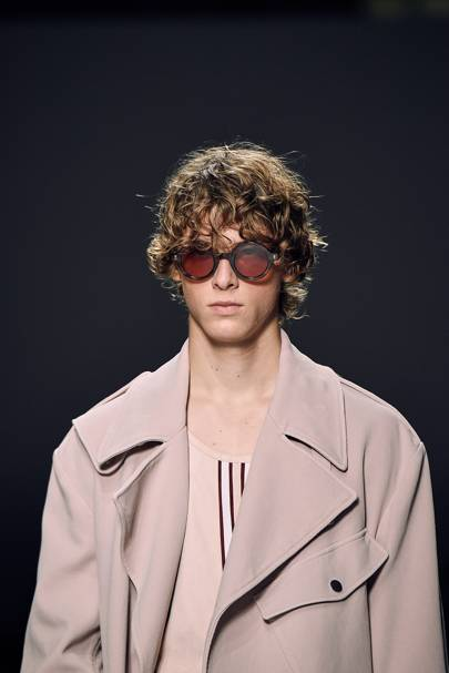 2. The coat of Spring Summer '19 is a suede trench