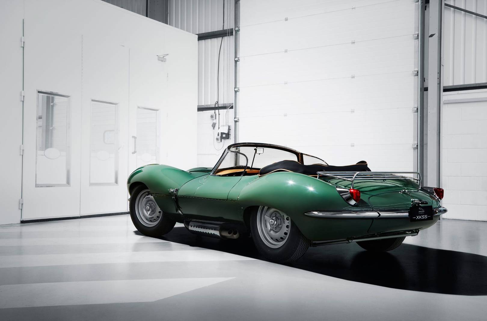 Jaguar Xkss Jag Just Launched The Most Incredible New Old Car 1950s Cars British Gq