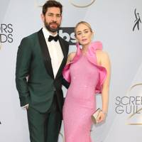 Proving pink and green should definitely be seen at the 25th Annual Guild Awards