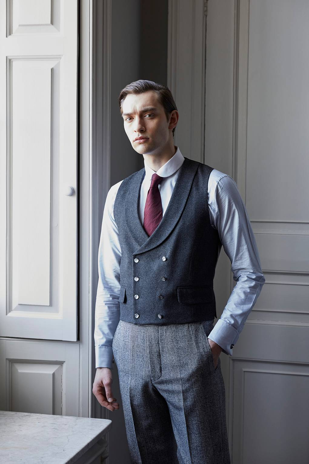 bf9fc6a554d How to wear a waistcoat