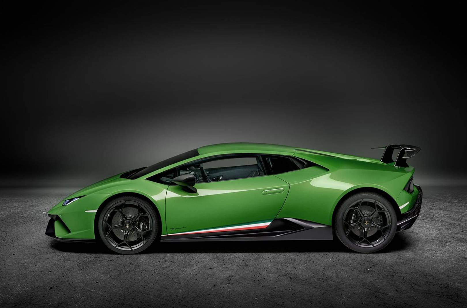 Lamborghini Huracan Performante: Old School Lambo Naughtiness | British GQ  M