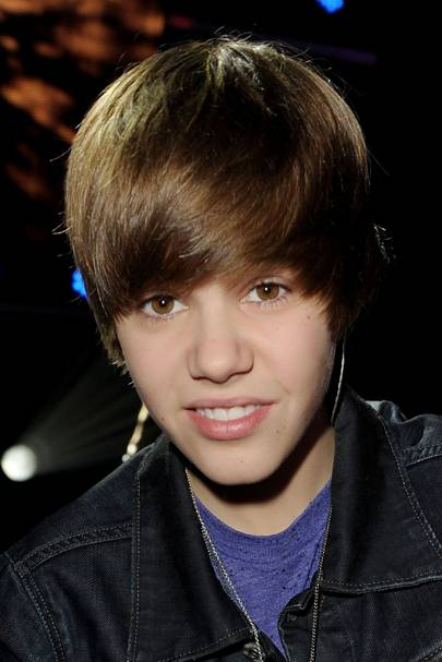 Justin bieber hair see his grooming evolution british gq 2009 stopboris Image collections