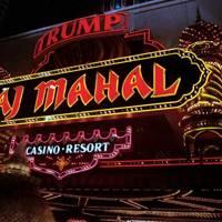 1991: Taj Mahal, The Castle and The Plaza go bankrupt