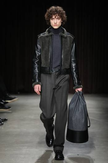 hugo boss reinvents modern menswear for aw17 at new york fashion week. Black Bedroom Furniture Sets. Home Design Ideas