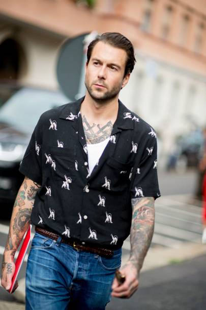 The Strongest Street Style At Milan Fashion Week S S 39 17 British Gq