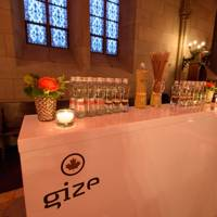 Gize drinks in the Neo-gothic Elisabethenkirche in Basel