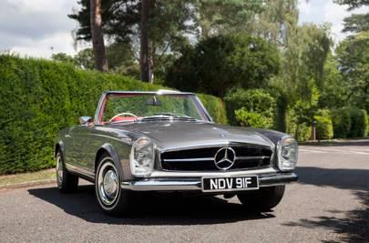 £70,000-£80 - Mercedes SL W113 'Pagoda'