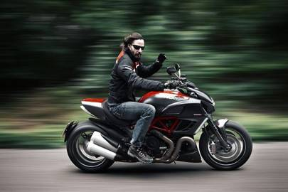 Keanu Reeves Road Tests The Ducati Diavel Gq Cars British Gq