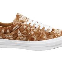 25. Converse One Star Trainers