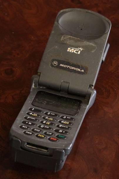 1996: The Motorola  StarTAC
