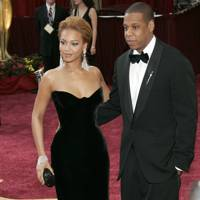 4. Timeless elegance when arriving at the Oscars