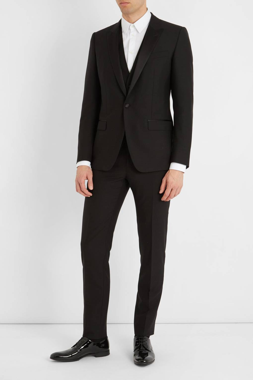 0b029ac11f5 How to do black tie in summer