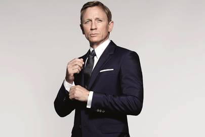 world exclusive images of daniel craig as james bond from spectre