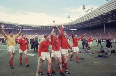 1966 - away