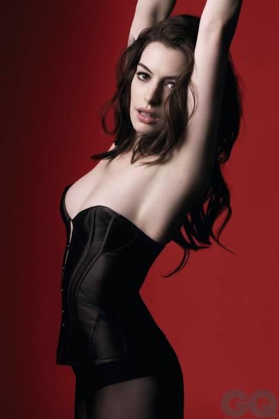 Anne Hathaway - 15 December