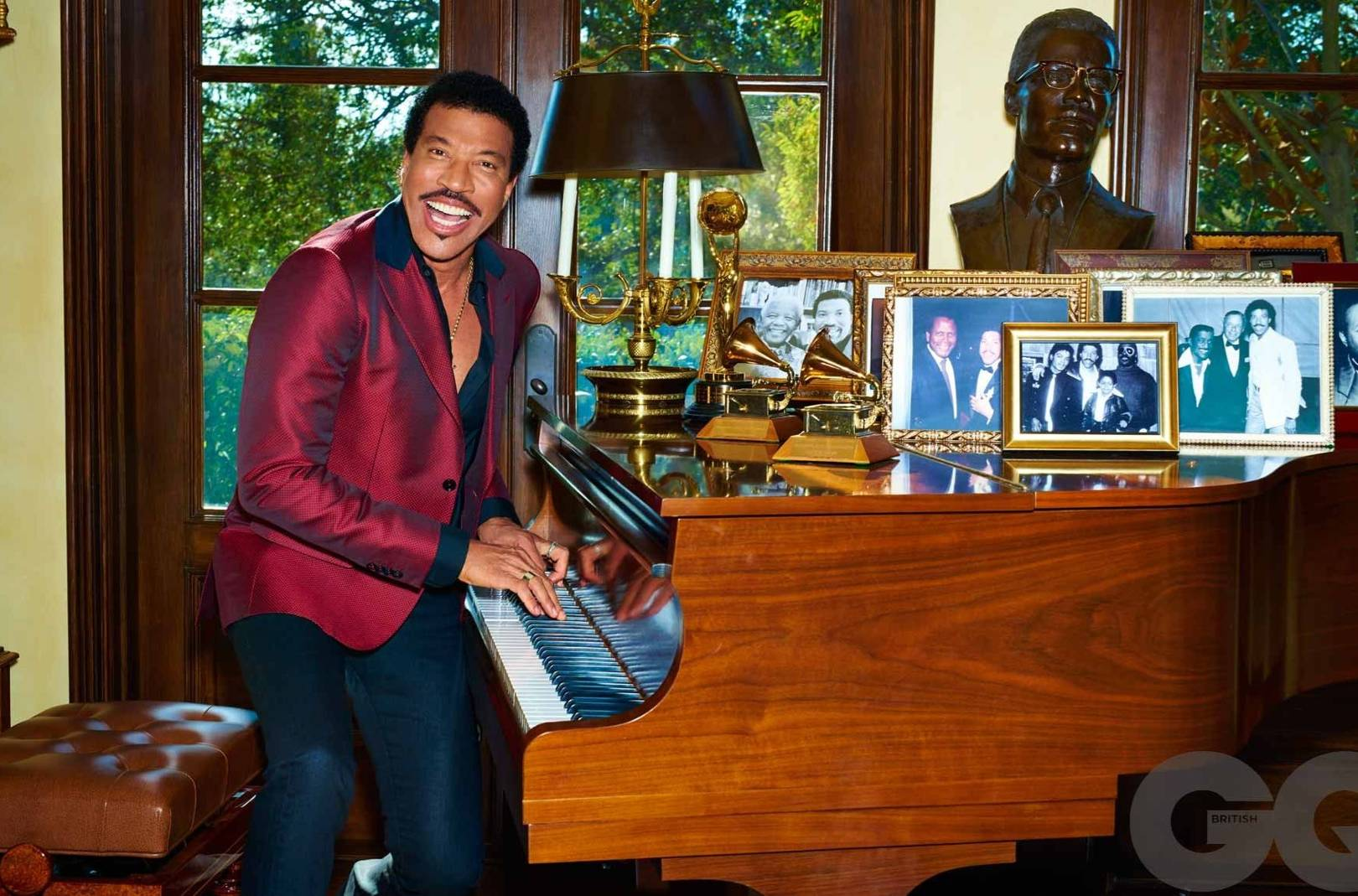 Image result for LIONEL RICHIE ALMOST BECAME A PRIEST, HERE'S WHY HE CHANGED HIS MIND