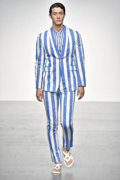 SS18: Vertical stripes