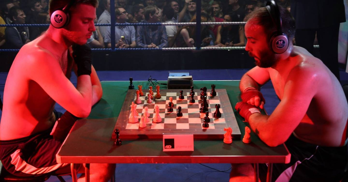 GQ does chessboxing